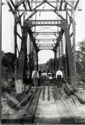 lanesboro-o-men_rr_bridge